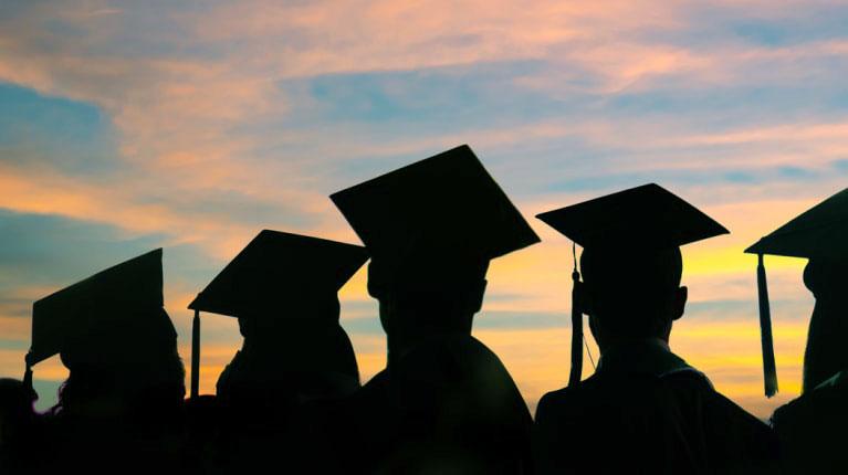 PM_College_Grads_Advice_photo_hdteih